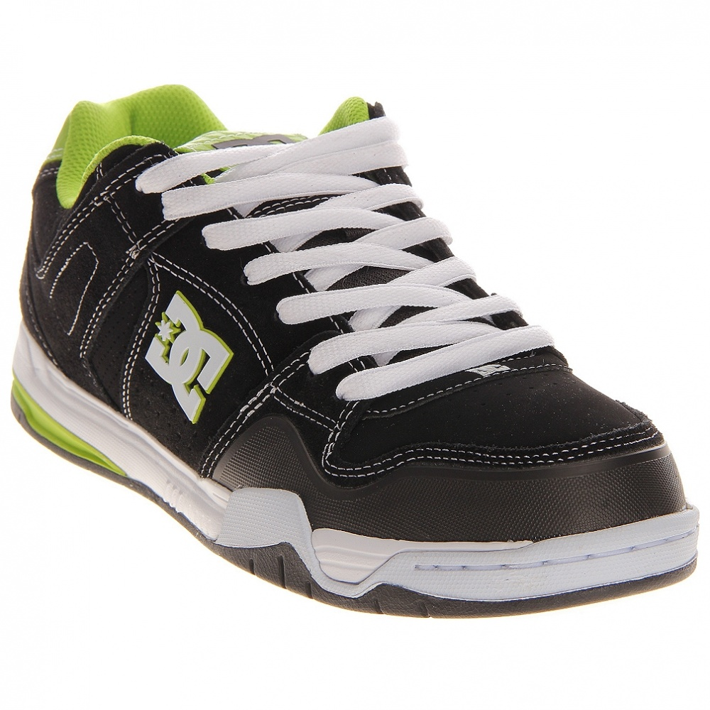 dc-shoes-stack